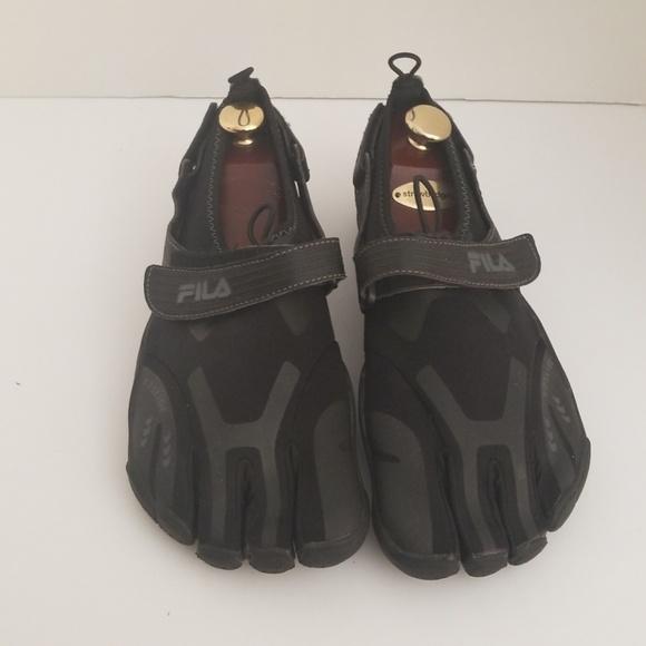1d092a2abc Fila Shoes | Skeletoes Black Size 11 | Poshmark